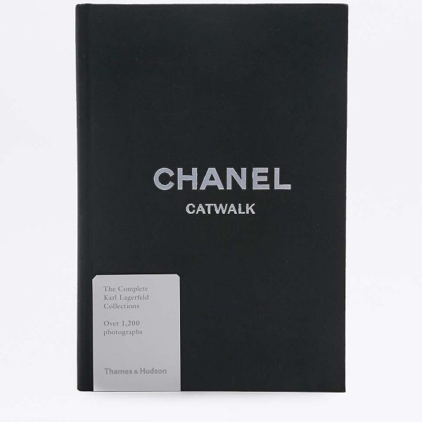 livre-chanel-the-complete-karl-lagerfeld-collections