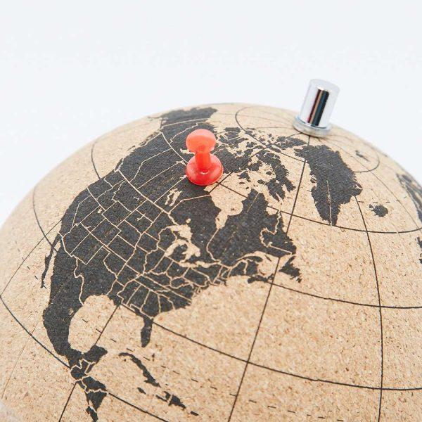 petit-globe-suck-uk-terrestre-en-liege-2