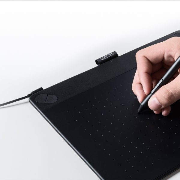 Tablette Graphique Wacom Intuos Art Noire Pen et Touch Medium 3