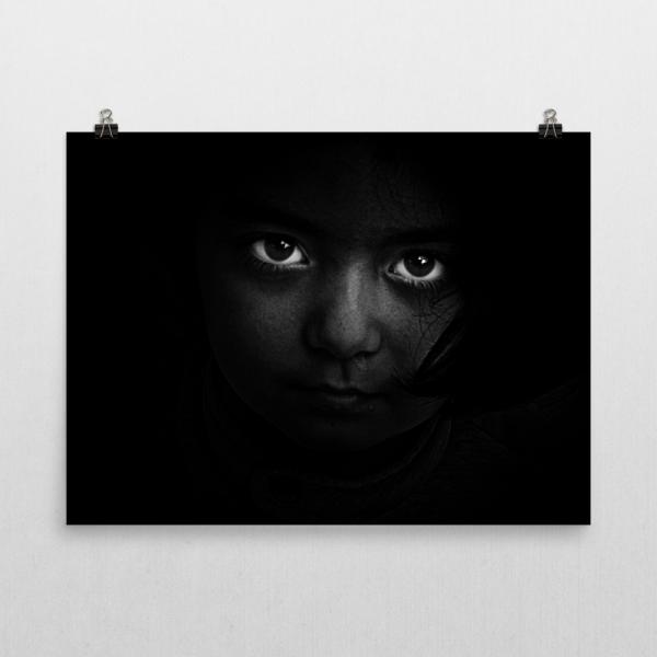 regard-dans-la-penombre_mockup_Wall-Horizontal_18x24